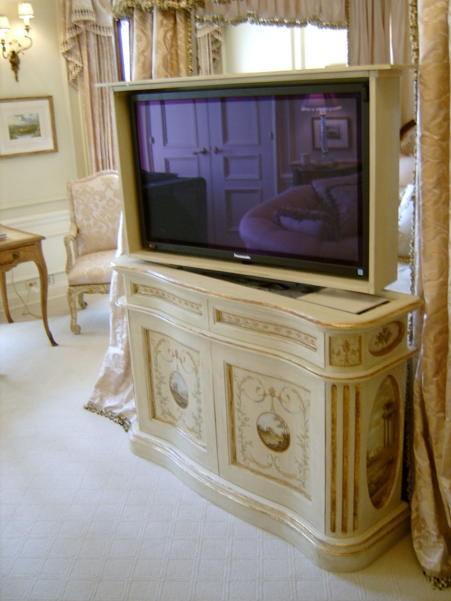 hand crafted foot of the bed tv lift console by jeffrey scott designs. Black Bedroom Furniture Sets. Home Design Ideas