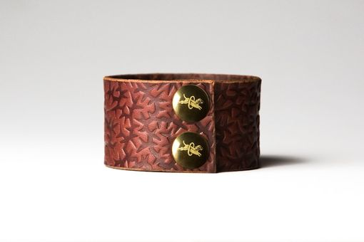 Custom Made Chestnut Brown Leather Cuff - Embossed With Thorns - Brass Fasteners - 1.5 Inches Wide