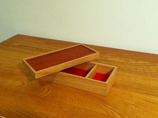 Custom Made Oak Box With Padauk Insert Lid