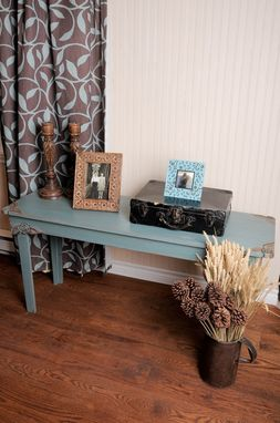 Custom Made Fredericka, Custom Edition, Table