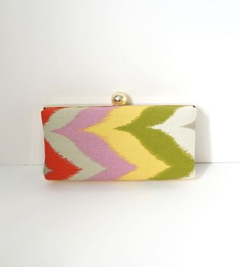 Custom Made Zigzag Cotton Clamshell Style Clutch Purse