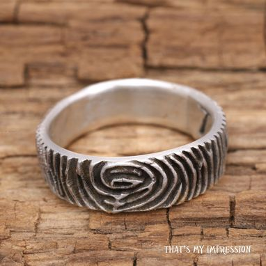 Custom Made A Fingerprint Ring To Give As A Gift To A Woman