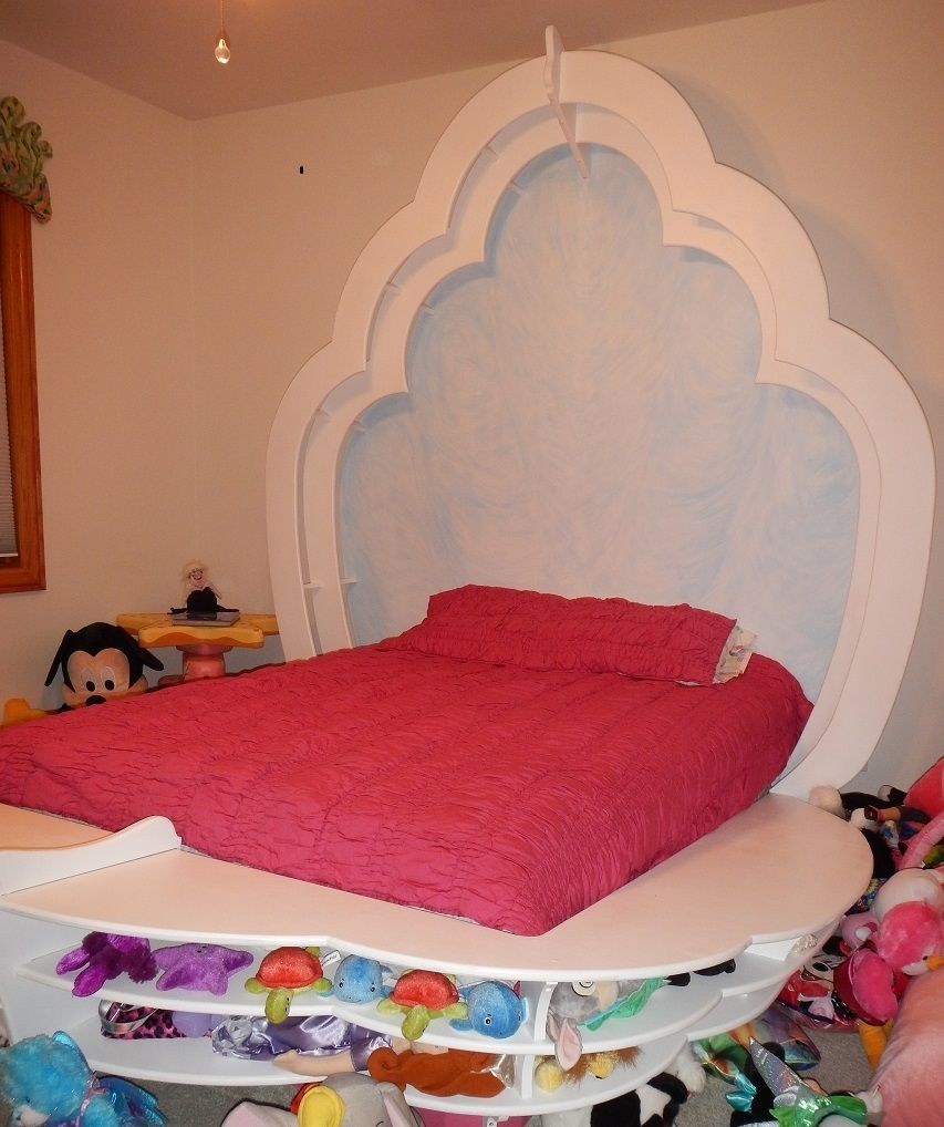 Hand Crafted Ocean Themed Child S Room With Clam Shell Bed
