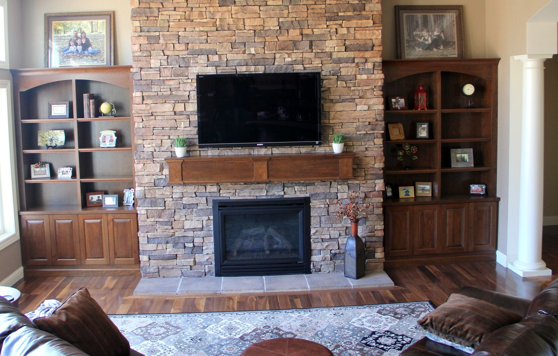 Built In Bookcases And Fireplace Mantle