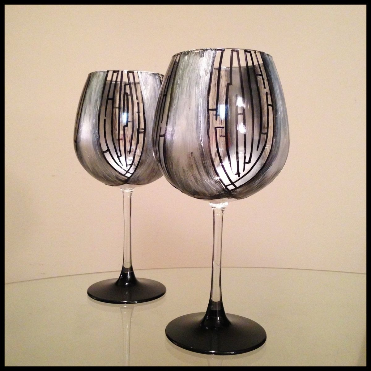 Brand new Custom Made Elegant, Hand Painted Red Wine Glasses by Ashley  JS77
