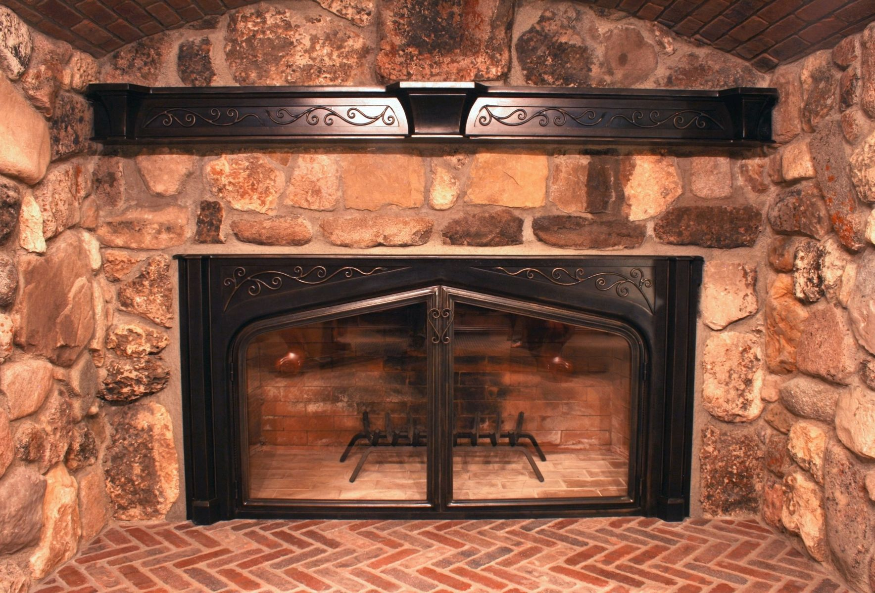 handmade custom fireplace screens by iron mountain anvil